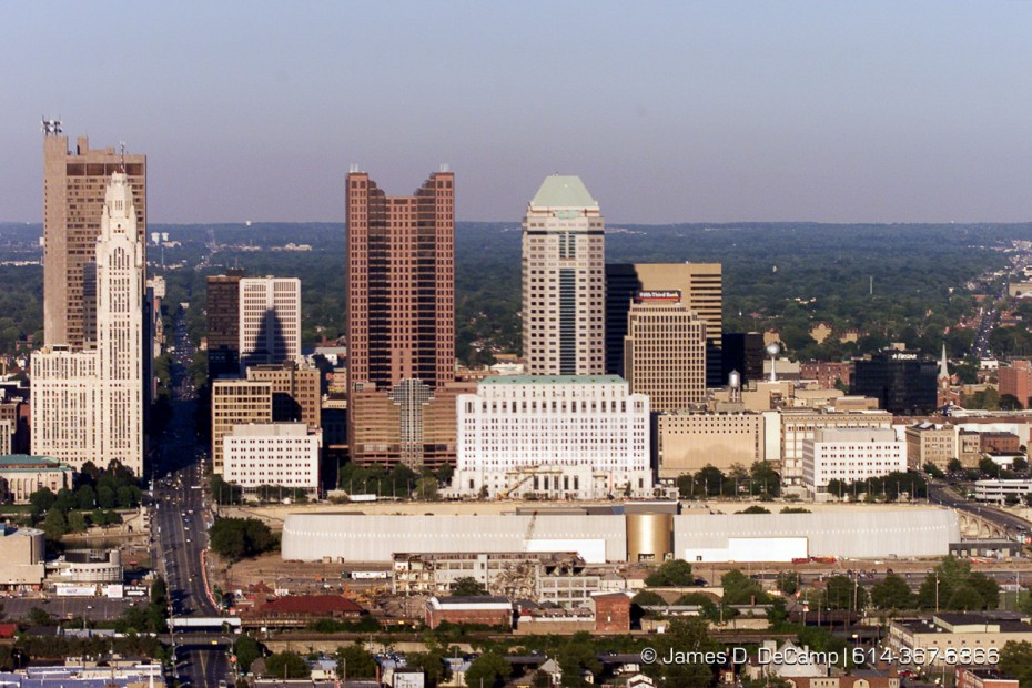 The downtown Columbus skyline with the new COSI in the foreground. (© James D. DeCamp | http://www.JamesDeCamp.com | 614-367-6366) [Photographed with Canon EOS D2000 cameras in RAW mode with L series lenses.]