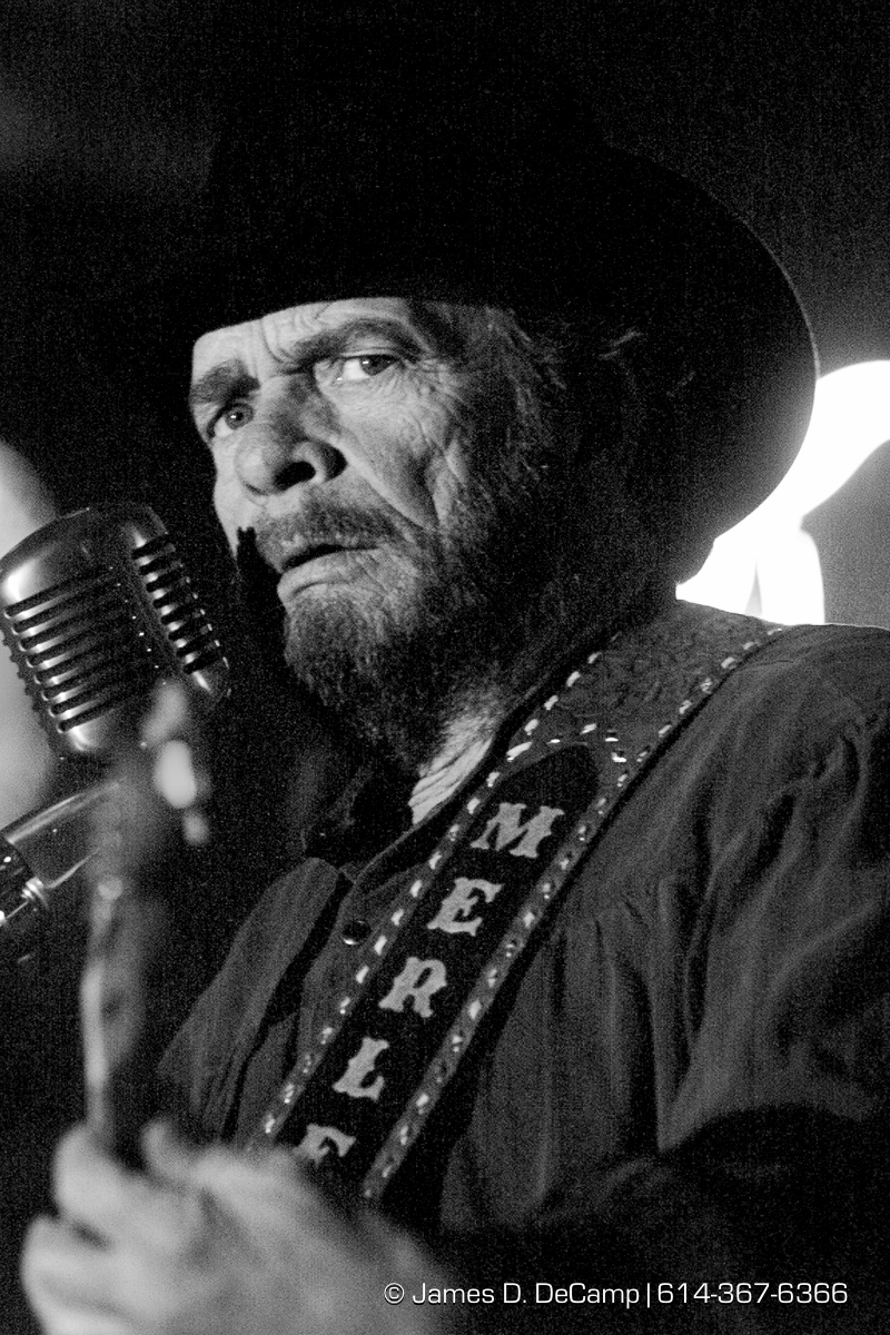 Merle Haggard, in concert at Club Dance Thursday night March 30, 2000. (© James D. DeCamp | http://www.JamesDeCamp.com | 614-367-6366) [Photographed with Canon EOS D2000 cameras in RAW mode with L series lenses.]