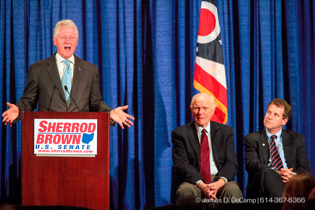 Former President Bill Clinton talks at a Democratic fundraiser for Senate Candidate Sherrod Brown held at the Hyatt on Capitol Square Monday night October 23, 2006. (© James D. DeCamp   http://www.JamesDeCamp.com   614-367-6366) [Photographed with Canon 1D MkII cameras in RAW mode with L series lenses]