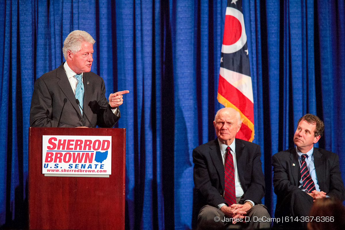 Former President Bill Clinton talks at a Democratic fundraiser for Senate Candidate Sherrod Brown held at the Hyatt on Capitol Square Monday night October 23, 2006. (© James D. DeCamp | http://www.JamesDeCamp.com | 614-367-6366) [Photographed with Canon 1D MkII cameras in RAW mode with L series lenses]