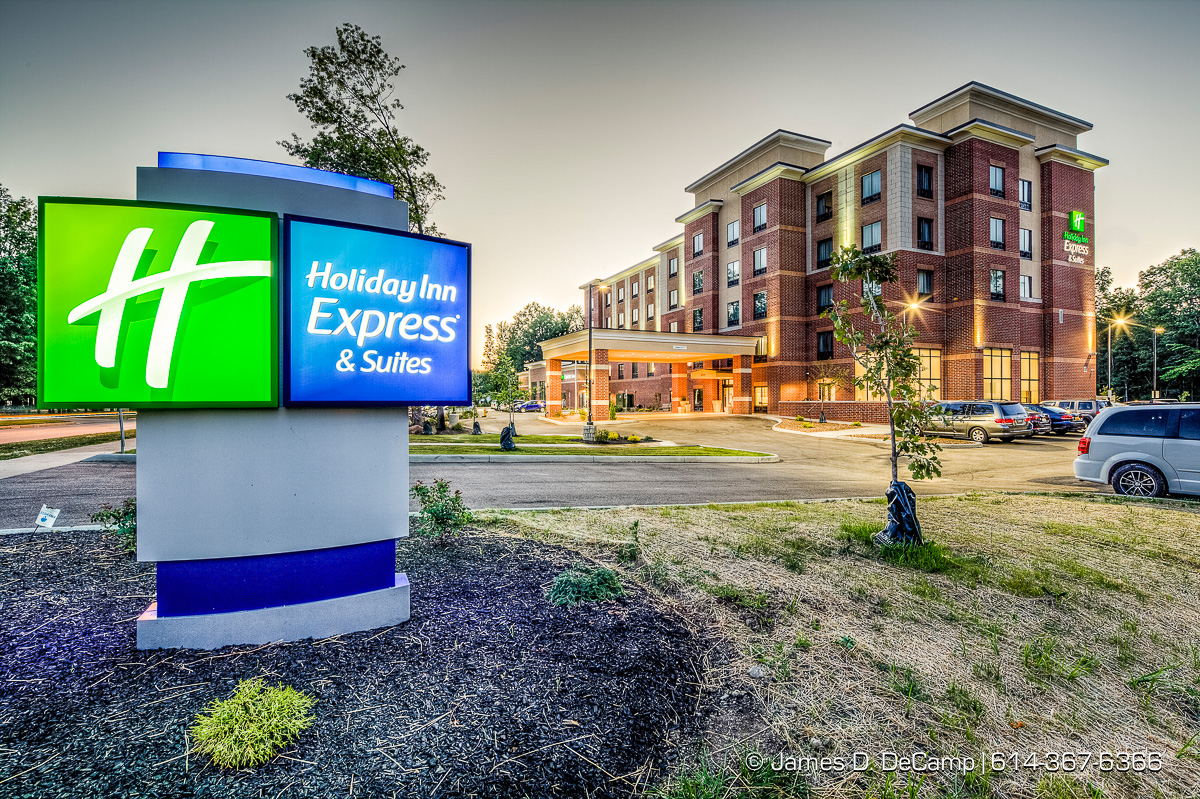 Westlake Holiday Inn & Suites photographed Tuesday July 26, 2016. (© James D. DeCamp | http://www.JamesDeCamp.com | 614-367-6366)