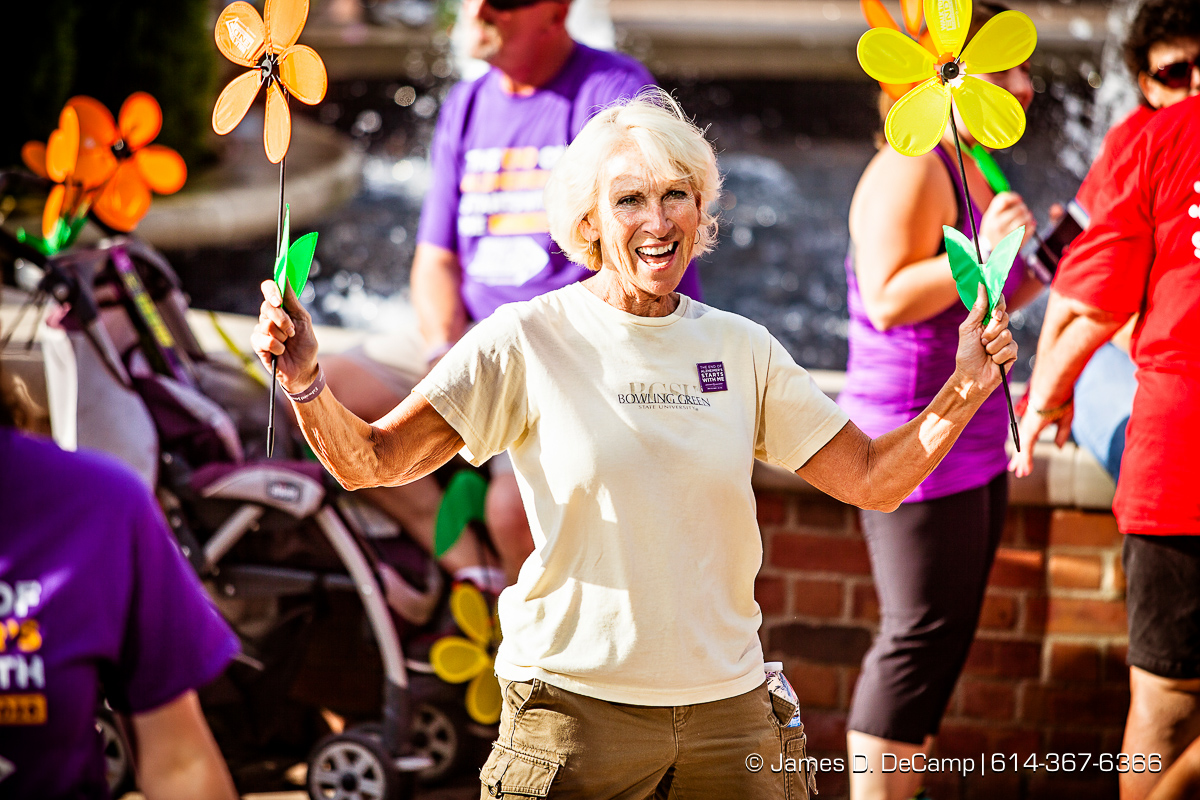 The 2016 Walk To End Alzheimer's photographed Saturday August 13, 2016 in Delaware, Ohio on the Ohio Wesleyan University Campus. (© James D. DeCamp | http://www.JamesDeCamp.com | 614-367-6366)