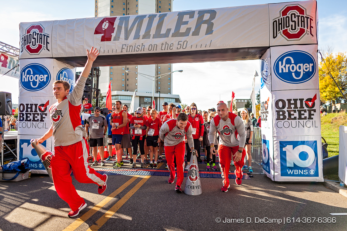 The OSU4Miler Race photographed Sunday, October 22, 2017 on the Ohio State University Campus. (© James D. DeCamp | http://JamesDeCamp.com | 614-367-6366)