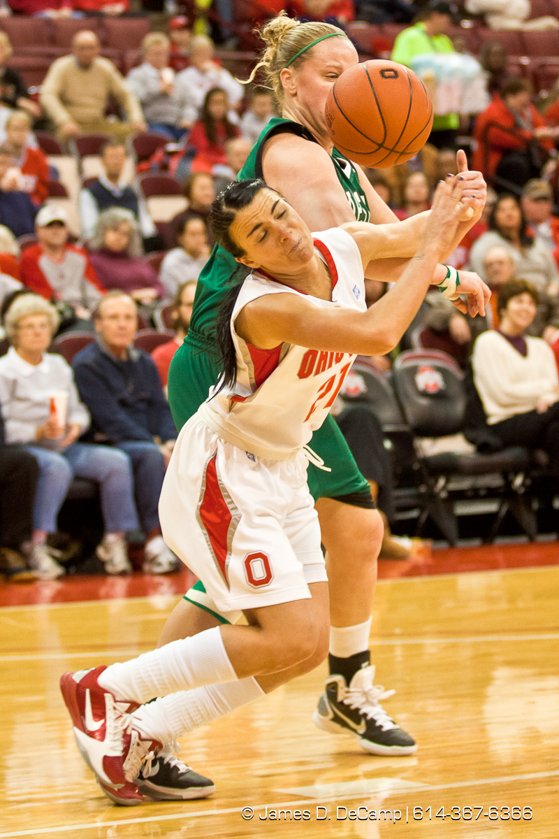 Ohio State University's Junior Guard Samantha Prahalis (#21) in the first period of play at the Value City Arena at The Jerome Schottenstein Center in Columbus, Ohio Tuesday evening December 14, 2010. The Buckeyes defeated the Lady Spartans 87-55 in the two teams first ever pairing. (© James D. DeCamp | http://www.JamesDeCamp.com | 614-367-6366) [Originally photographed for SouthCreek Global Media which went out of business in 2012. All sales requests should be directed to ZumaPress.com.]