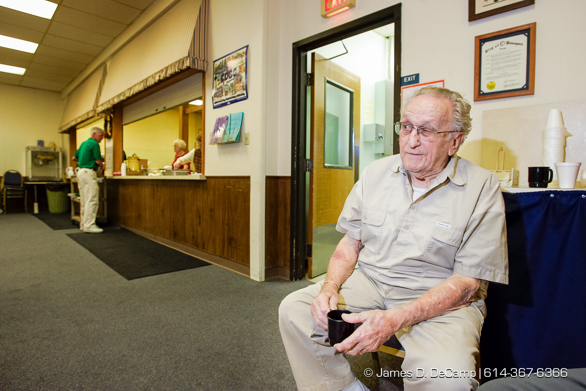 Alan Blumer shares his opinions at the Center for Active Seniors, Inc. in Davenport, Iowa Tuesday September 28, 2004 during day 5 of the 2004 'Real People Tour' of middle America. (© James D. DeCamp | http://www.JamesDeCamp.com | 614-367-6366) [Photographed with Canon 1D MkII cameras in RAW mode with L series lenses]